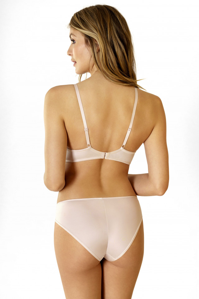 Bra Daily Comfort. Color: beige.