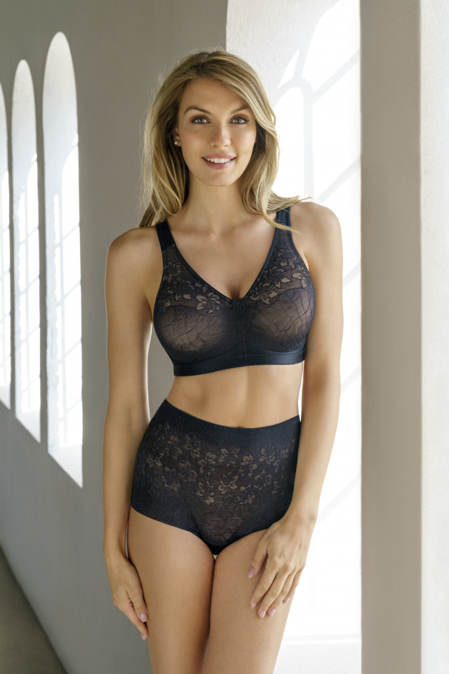 Bra Powerlace. Color: black.