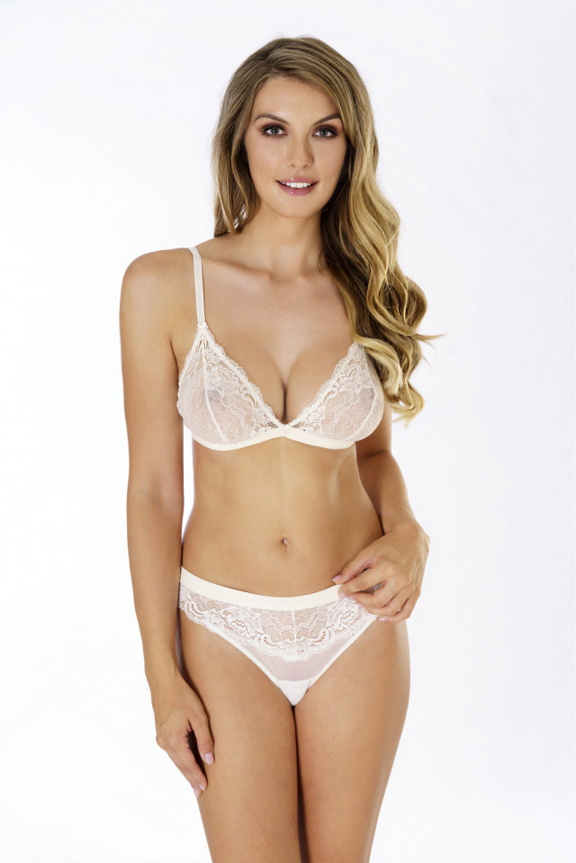 Briefs-strings Flirty. Color: champagne.