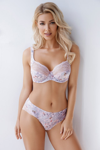 Bra Penelope. Color: light pink.